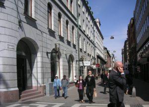 Kläder och mode på Biblioteksgatan i Stockholm